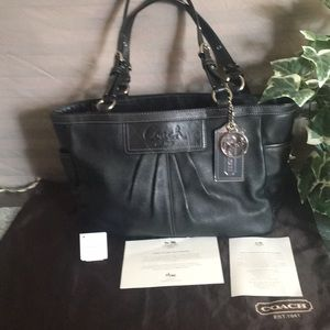 Coach Ashley Black Leather East West Gallery Tote